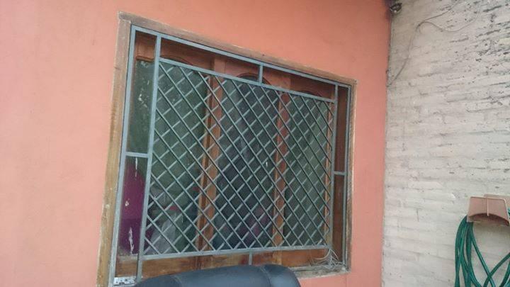 Ventana de vidrio con reja - Diseños Magnomar- Hendyla.com
