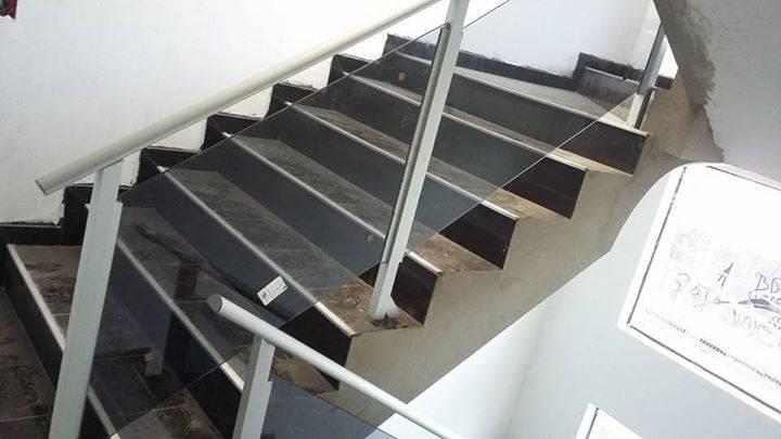 Escaleras en aluminio y vidrios barandas balcones oscar - Barandas de aluminio ...
