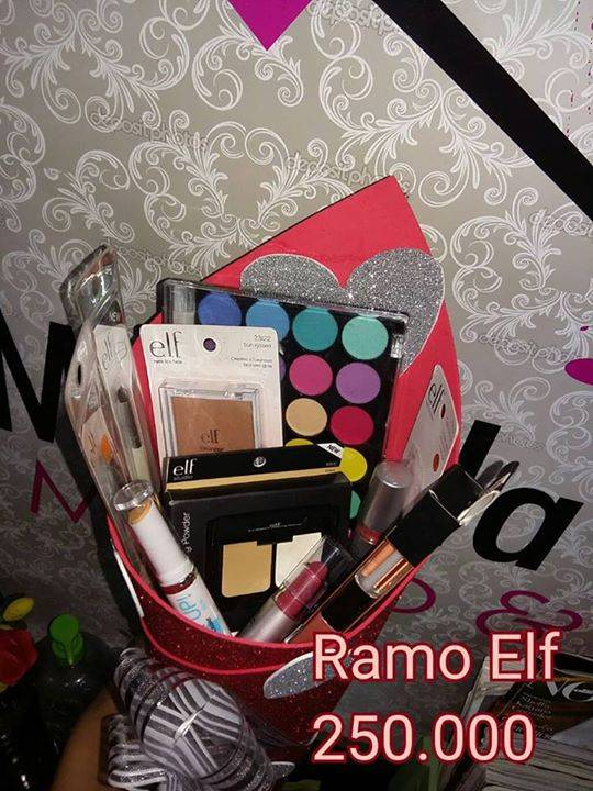 Ramos De Maquillaje Mikaela Jara Id 262839