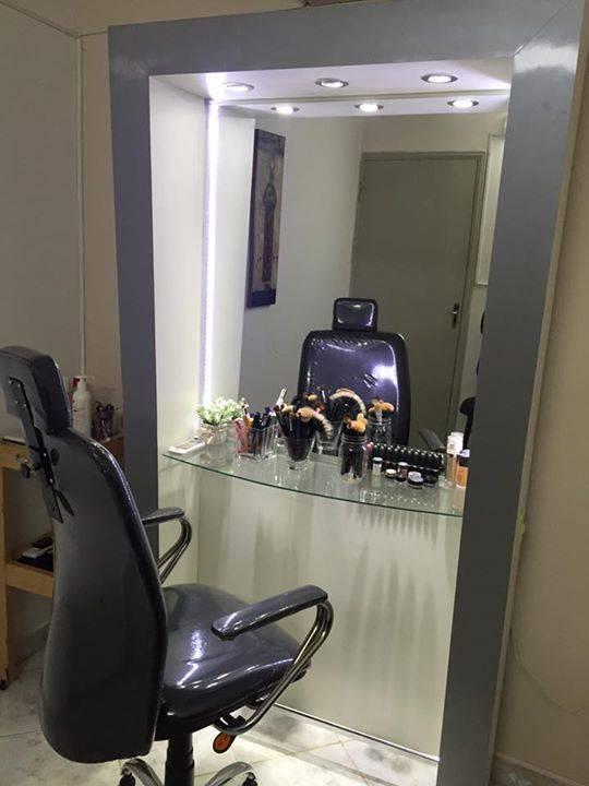 Espejo Blanco Con Luces Led Y Silla Para Maquillaje
