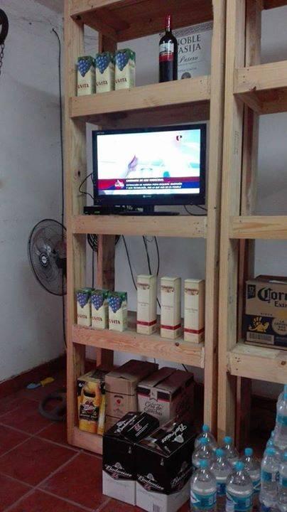 Estantes de palets pino domi123 id 320359 for Confeccionamos muebles de bano en palet
