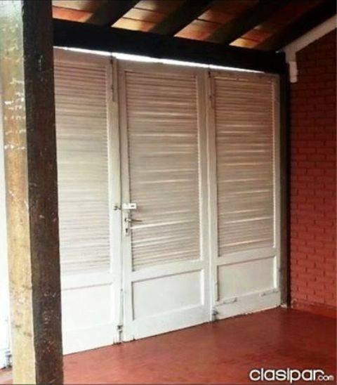 puerta de madera tipo persiana ana