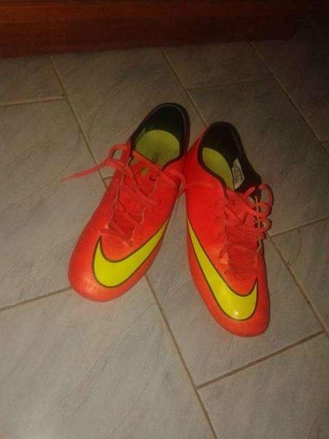 Botín Nike mercurial calce 42