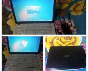 """Notebook Acer de 15"""" Dual Core 1.5GB de RAM 120GB disco duro"""
