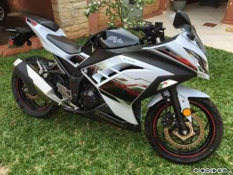 Moto Kawasaki Ninja 2015