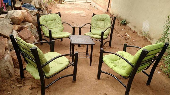 Juego de sillones andr s augusto for Juego de sillones usados