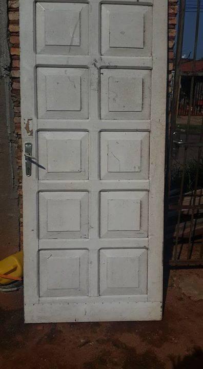Puertas y ventanas usadas ofert car for Puertas usadas de madera