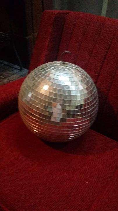 Esfera espejada o bola de espejos
