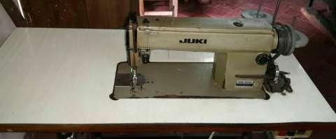 Máquina recta Juki