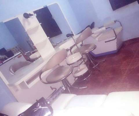 Muebles y sillas para peluqueria