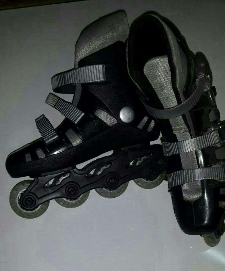 Roller calce 35 semi nuevo - 0