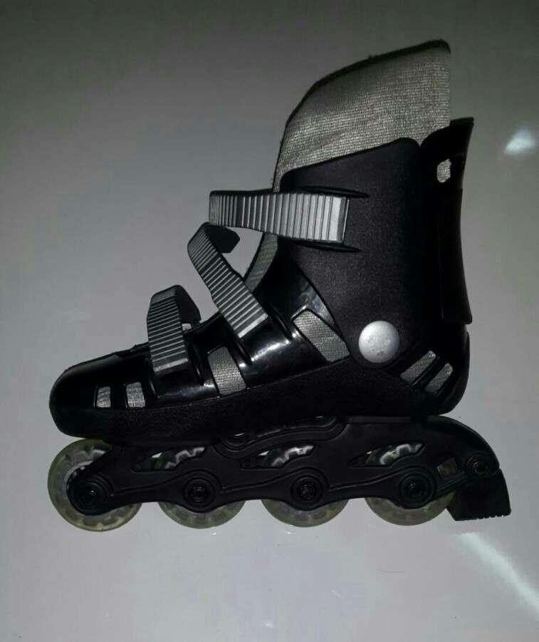 Roller calce 35 semi nuevo - 1