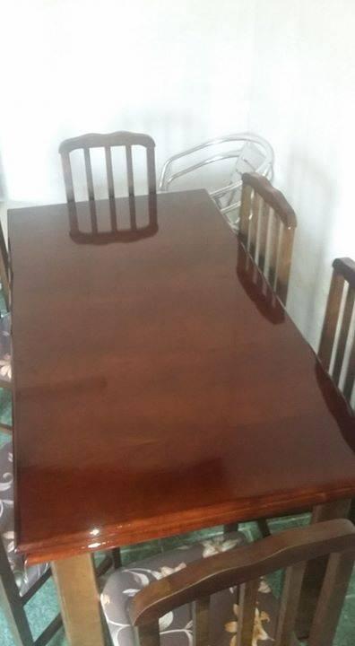 Juego de comedor de madera guatambu 6 sillas tapizadas for Juego comedor madera 6 sillas