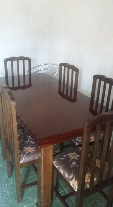 Juego de comedor de madera guatambu 6 sillas tapizadas for Sillas de comedor de madera tapizadas