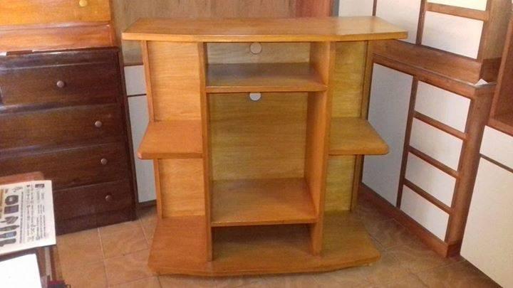 Mueble rack para tv y equipo de sonido santiago mareco for Muebles para televisor y equipo de sonido