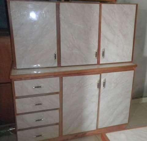 Mesada y alacena de cocina de tres puertas - 0
