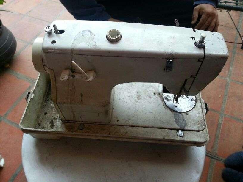 Máquina de coser para repuesto - 1