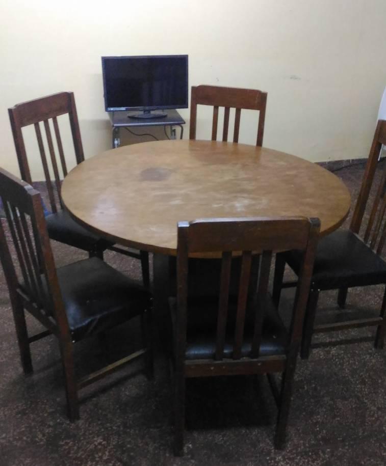 Juego de comedor mesa redonda con 5 sillas osvaldo - Mesa redonda con sillas ...