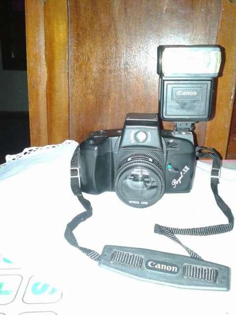 Cámara fotográfica Canon Royal -S II