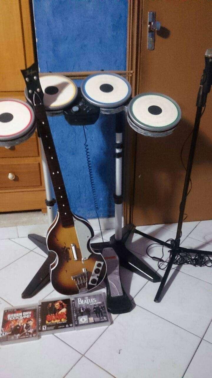 Combo rock band versión Beatles para ps3 - 4