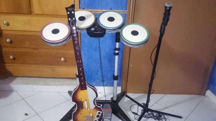 Combo rock band versión Beatles para ps3 - 3