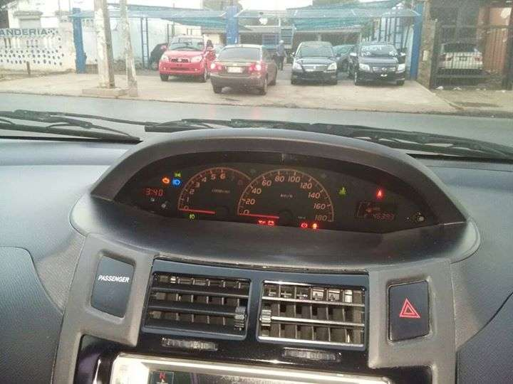 Toyota New Vitz RS 2006 mecánico - 2