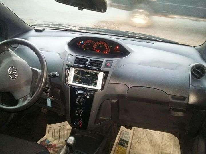 Toyota New Vitz RS 2006 mecánico - 3