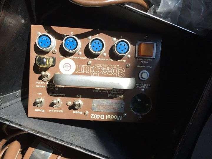 Kit de Estudio Fotográfico Móvil Speedotron D402 - 1