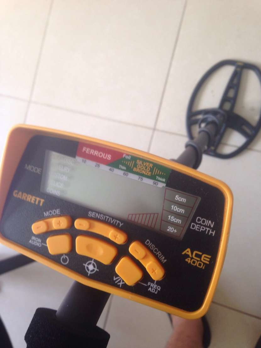 Detector de metales americano Garrett ACE 400 - 0