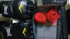 Guante Everlast de MMA y venda
