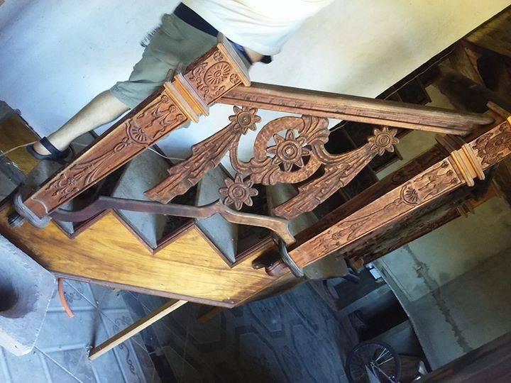 Apliques tallado en madera para escaleras osmar alberto for Apliques para escaleras