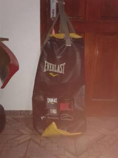 Saco de Box MMA Everlast con guante de 9 onzas de kick boxing