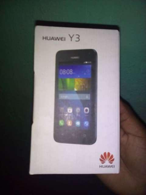 Huawei y3 con accesorios