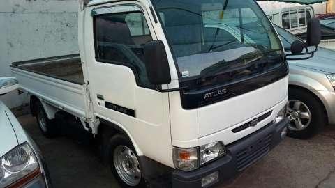 Nissan Atlas 2001 recién importado