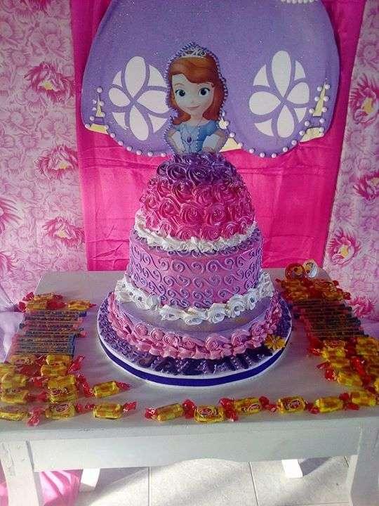 Tortas y cupcakes personalizados - 1