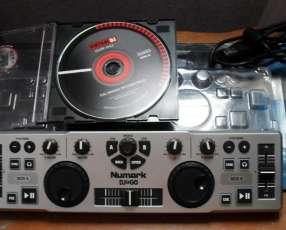 Controlador Numark DJ2GO