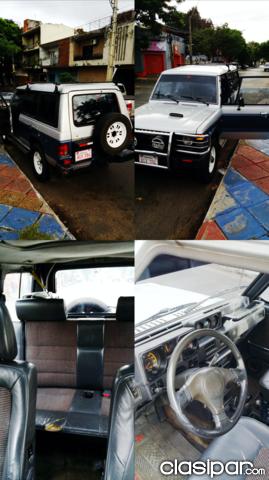 Mitsubishi 4x4 1990