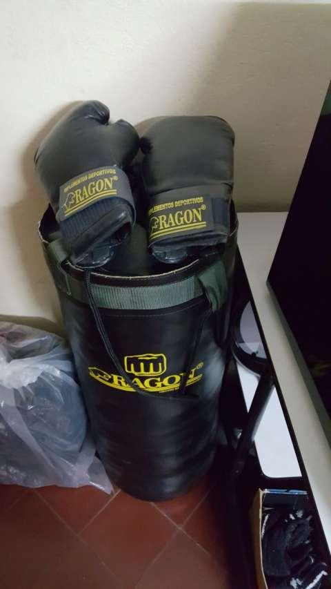Bolsa y guantes para práctica
