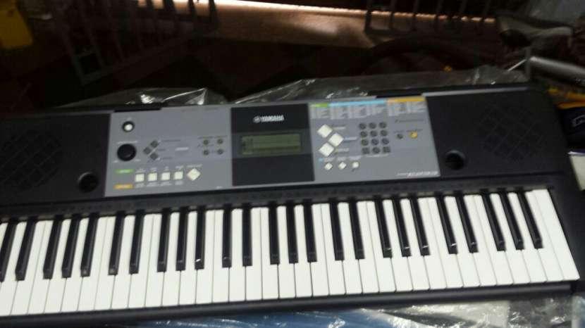 Organo Teclado Yamaha - 0