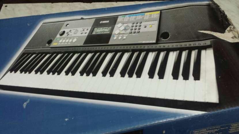 Organo Teclado Yamaha - 1