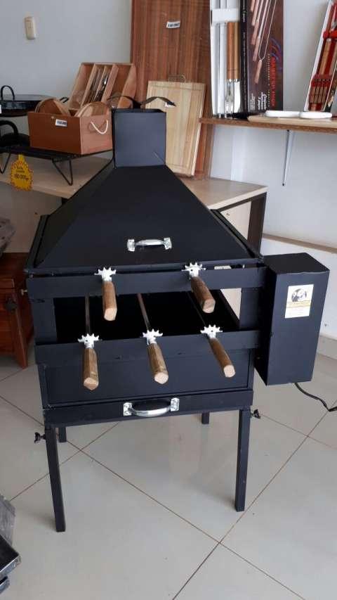 Parrillas Giratorias de 5 asadores 220 volts y 12 volts