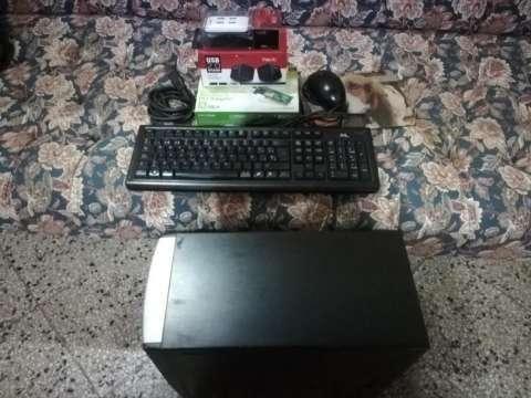 Cpu con accesorios - 2