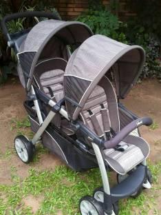 Carrito Chicco doble para dos bebés