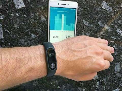 Reloj inteligente Pulsera cuantificadora Xiaomi Mi Band 2 + una Pulsera extra de Regalo