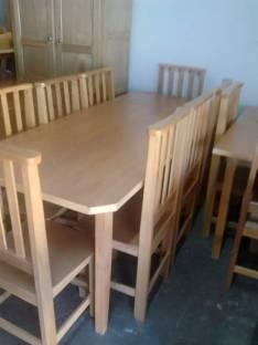 Comedor de madera cuatro patas y seis sillas