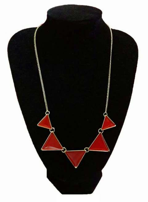 Collar Triangular Rojo