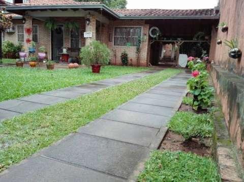 Casa en el centro de San Lorenzo - 3