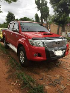 Toyota Hilux impecable 2014