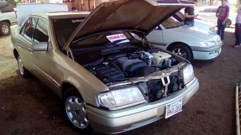 Mercedes Benz C220 naftero motor 4 cilindros