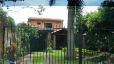 Casa en Villa Elisa a media cuadra de Von Polesky
